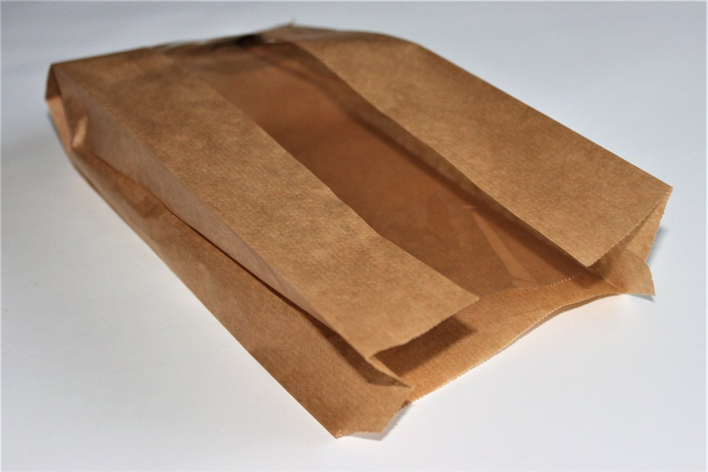 Ruskea Paperipussi